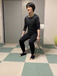 椅子立ち座り運動
